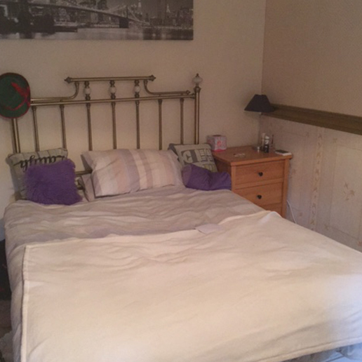 Calnee House Bedroom - student accommodation in Gloucester